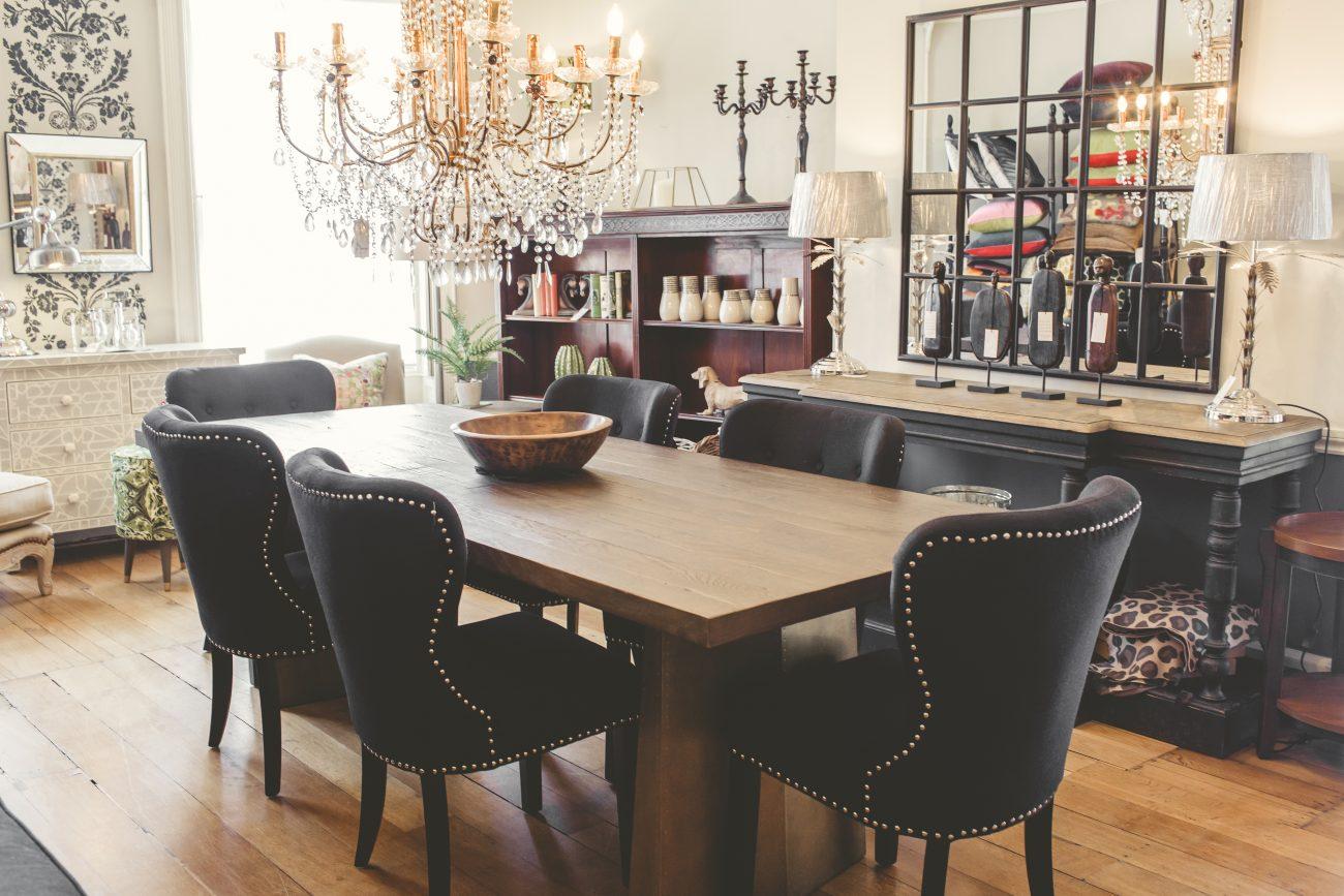 Isobel's Lounge